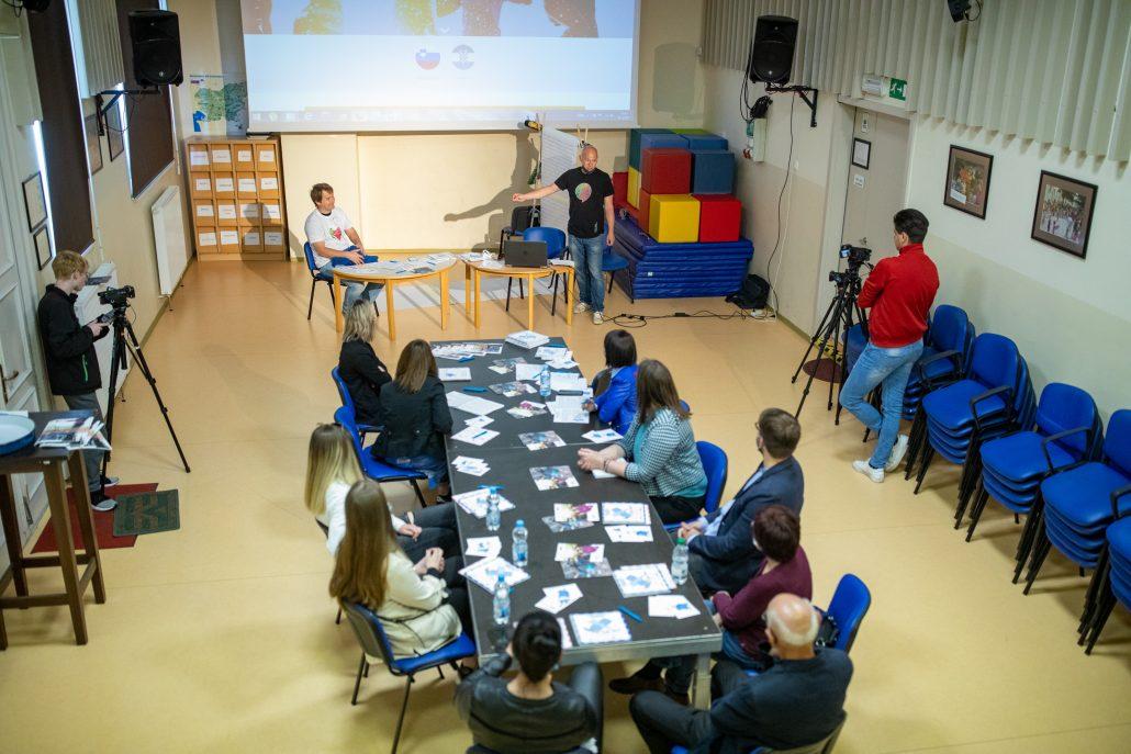 Zavod Burja stellt Projektergebnisse vor und wurde vom AGSM-Koordinator besucht